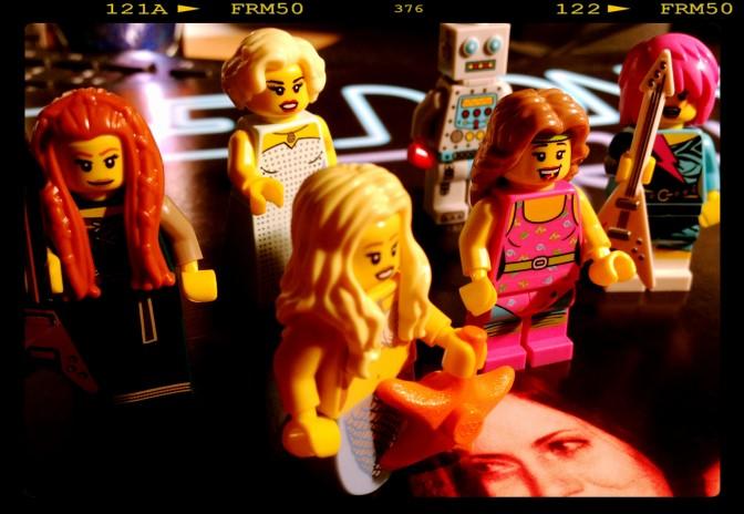 5 Hot rocking fems (& stray robot)