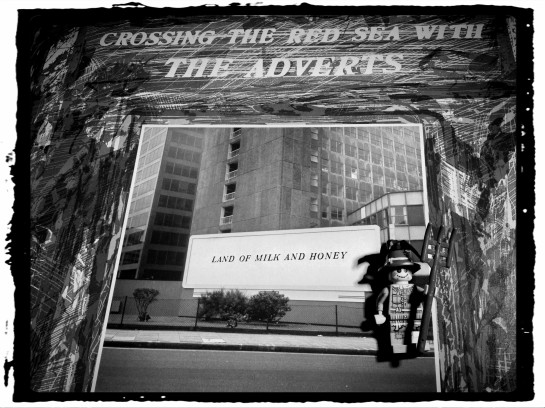 Adverts Crossing 03