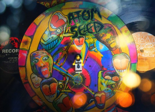 Atom Seed Get In Line 02