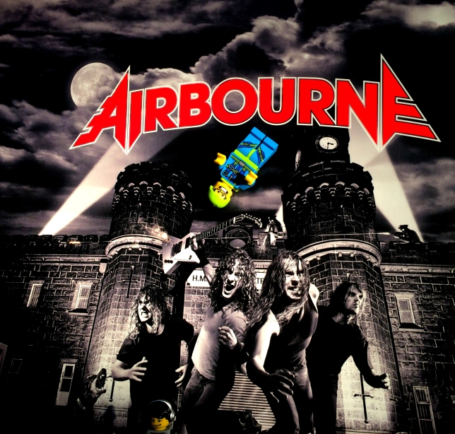 Airbourne Runnin Wild 01