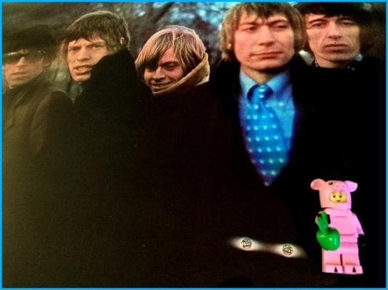 Rolling Stones Between Buttons 01