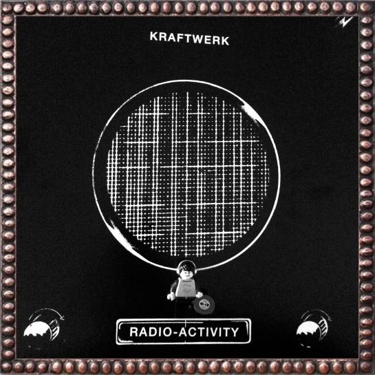 Kraftwerk Radio-Activity 01 (2)