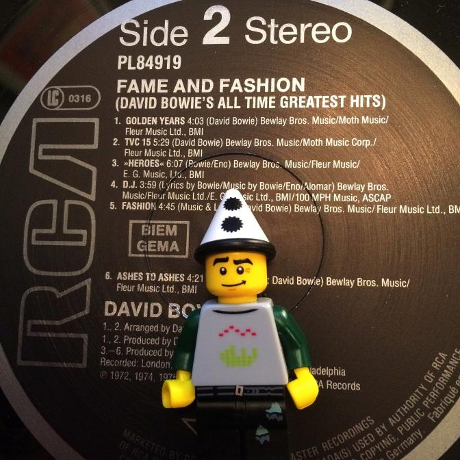Bowie Fame & Fashion 02