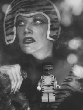 Poison Ivy channelling her inner Norma Desmond