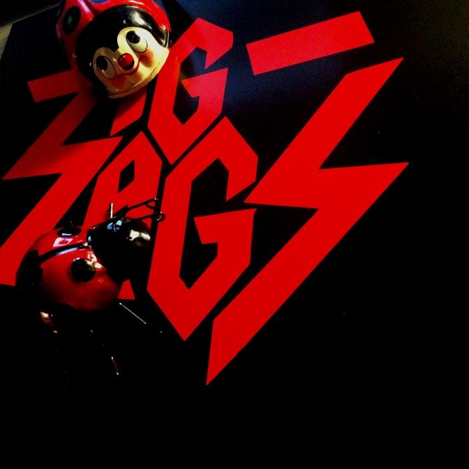 Zig Zags Running Red 01